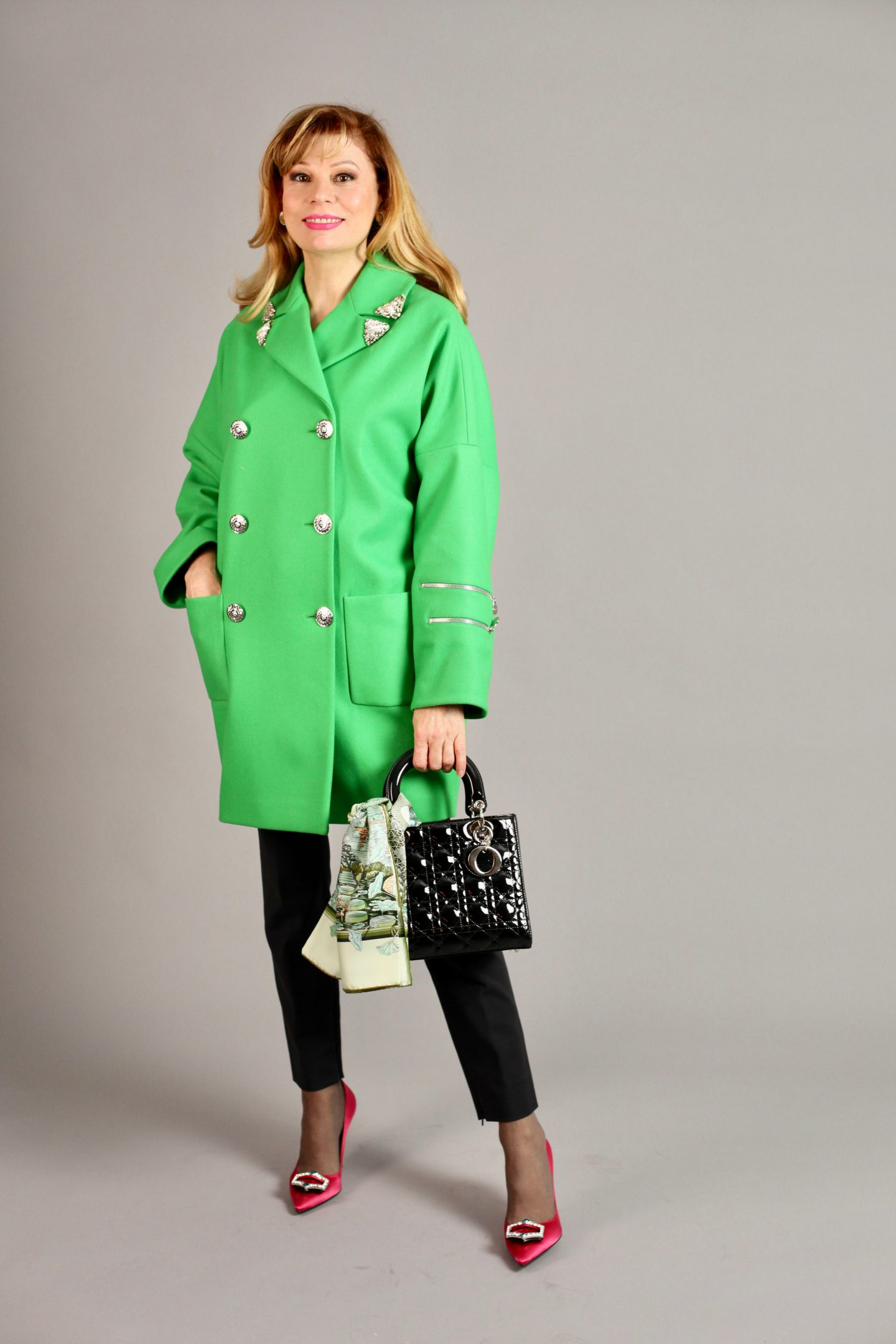 THE ABSOLUTELY FABULOUS GREEN FROCK COAT