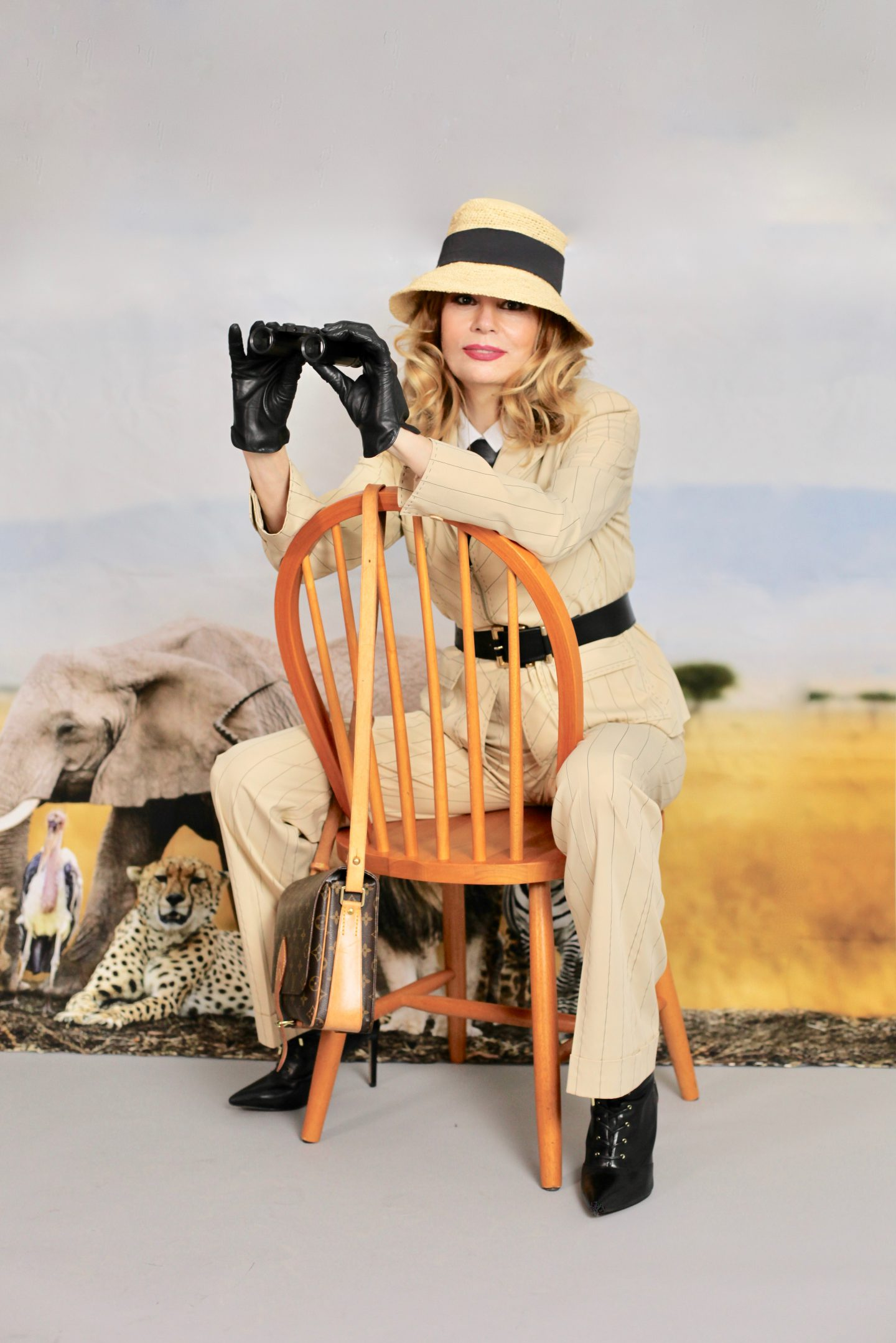 """SAFARI OUTFIT – BREATHTAKING """"OUT OF AFRICA """" MOVIE"""